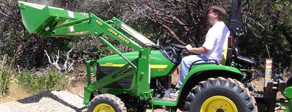 Vi har landbrug med små maskiner